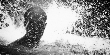 emilio-barillaro, the-confession-of-a-shark, street-photography, underwater-photography, photo-series, black-and-white